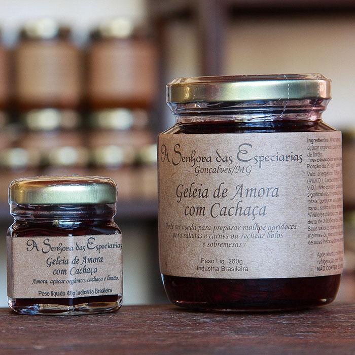 Geleia de amora com cachaça produzida por A Senhora das Especiarias em Gonçalves MG.