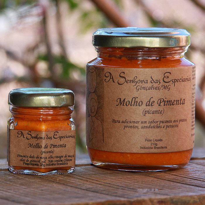 Molho de pimenta picante produzida por A Senhora das Especiarias em Gonçalves MG.