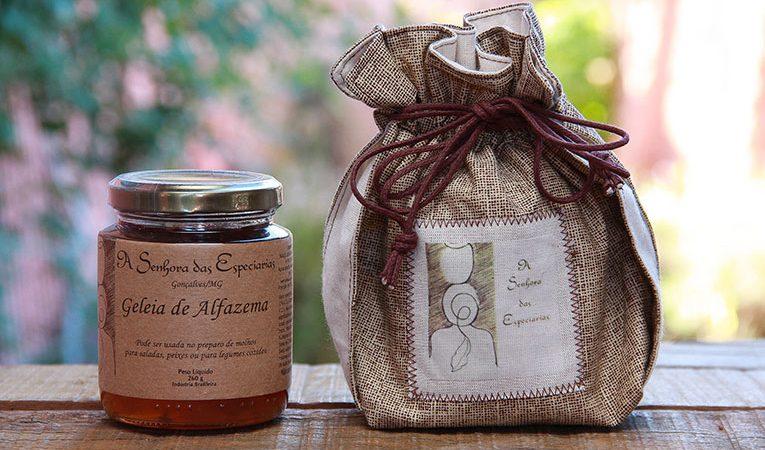 Embalagem para presente dos produtos fabricados e comercializados por A Senhora das Especiarias em Gonçalves (MG).