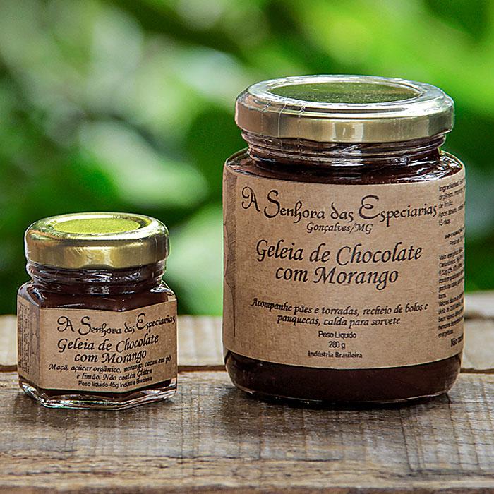 Geleia de chocolate com morango, criação de A Senhora das Especiarias, fábrica localizada em Gonçalves (MG).