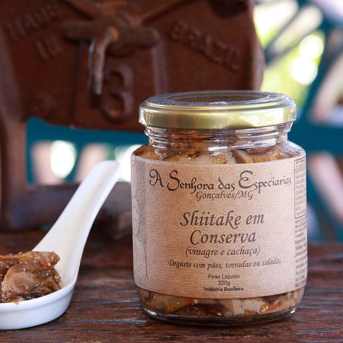 Shiitake em conserva produzida por A Senhora das Especiarias em Gonçalves MG.
